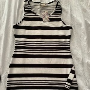 🌺 $10 or 3/$24 Black and White Dress 🌺